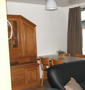 Oud Nieuwlandseweg 1-A,Ouddorp,Nederland 3253 LL,2 Slaapkamers Slaapkamers,1 BadkamerBadkamers,Apartement,Oud Nieuwlandseweg 1-A,1011