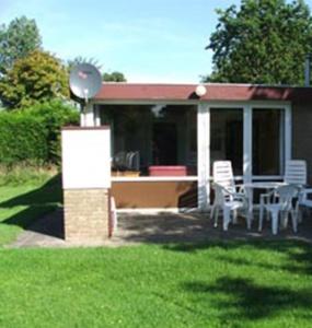 Oud Nieuwlandseweg 1-A,Ouddorp,Nederland 3253 LL,2 Slaapkamers Slaapkamers,1 BadkamerBadkamers,Bungalow,Oud Nieuwlandseweg 1-A,1012